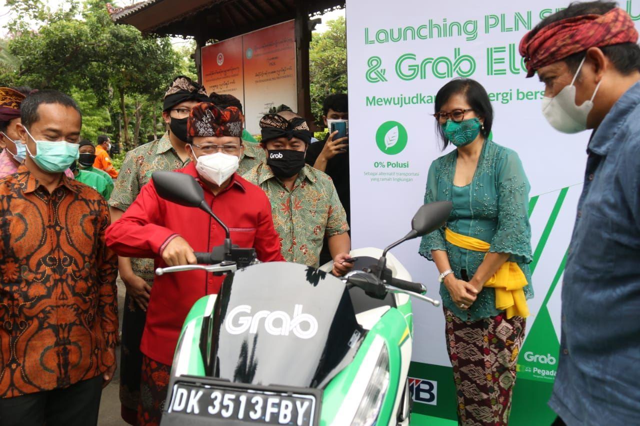 Gubernur Koster Resmikan  SPBKLU. Bali Menuju Penggunaan Energi Bersih dan Terbarukan