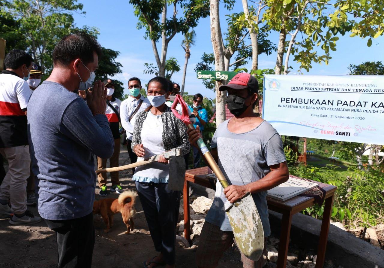 Bupati Suwirta Tuntaskan Jalan di Kawasan Wisata, Desa Sakti Nusa Penida