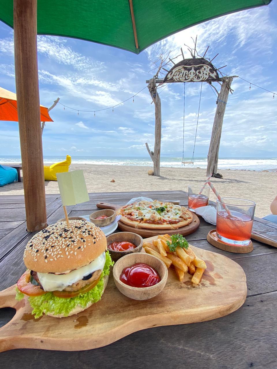 Yeh Gangga Beach Club , Tempat Bersantai di Pantai Yeh Gangga