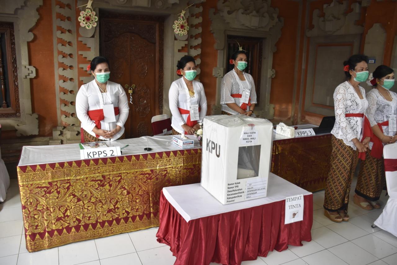 TPS 17 Banjar Kerta Sari Petugas KPPS Semua Perempuan