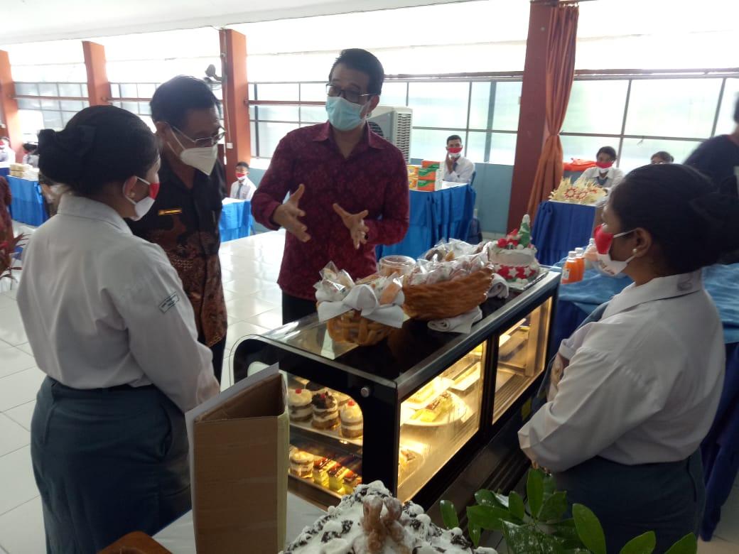 Siswa-siswi SMK Parada Gelar Pameran Hasil Karya dan Start-Up Bisnis