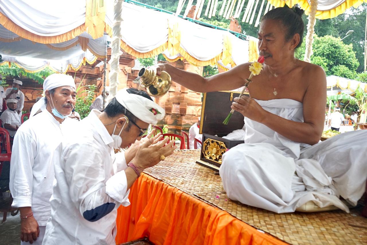 Karya Pemahayu Jagat Di Pura Prajepati Setra Badung