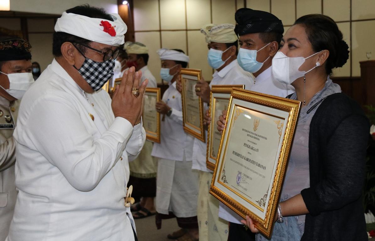 Tabanan Peroleh  Penghargaan Kabupaten Peduli HAM