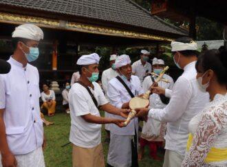 Banjar Sekarmukti dan Pundung Dibantu Gong Kebyar