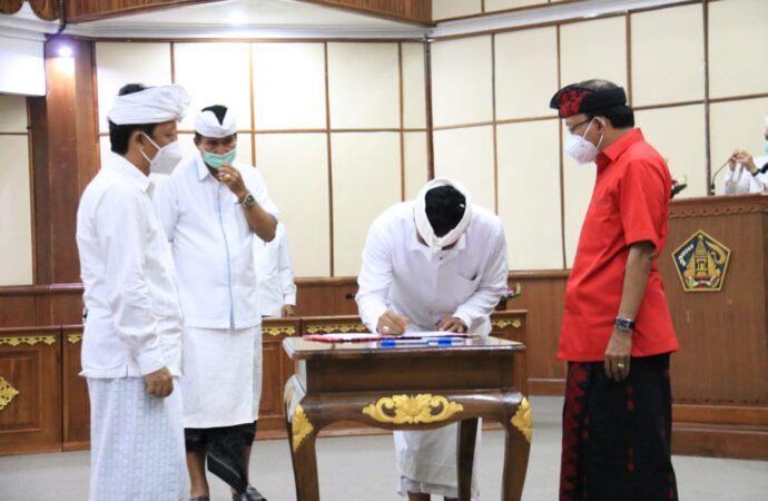 Gubernur Koster Dorong Birokrat Bekerja Luar Biasa
