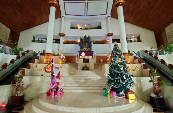 Suka Cita Perayaan Natal di Grand Inna Bali Beach