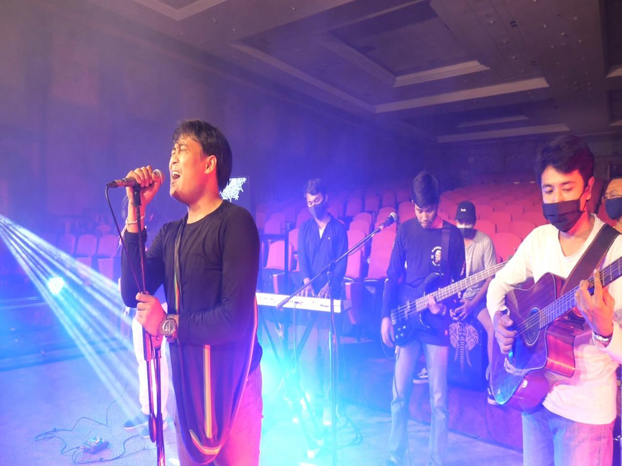 Imagine Rainbow Warnai Denpasar Young Creative, Denfest Ke-13