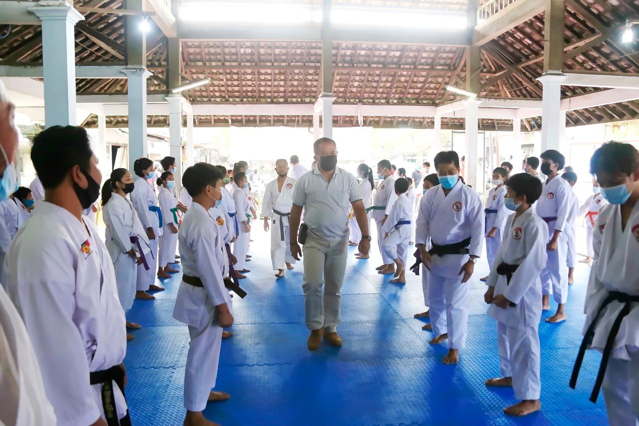 Wabup Kasta Hadiri Kenaikan Tingkat Kyu Dojo