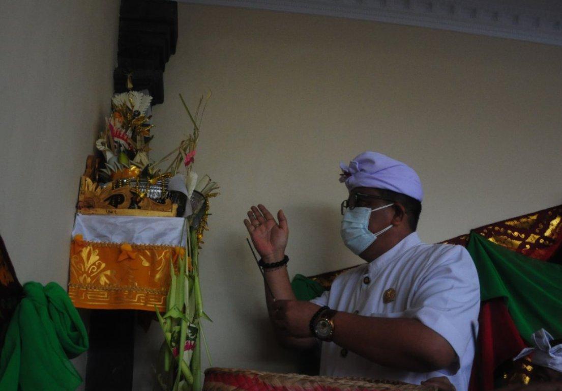Upacara Pemelaspasan di Banjar Eka Swara Dangin Carik Tabanan