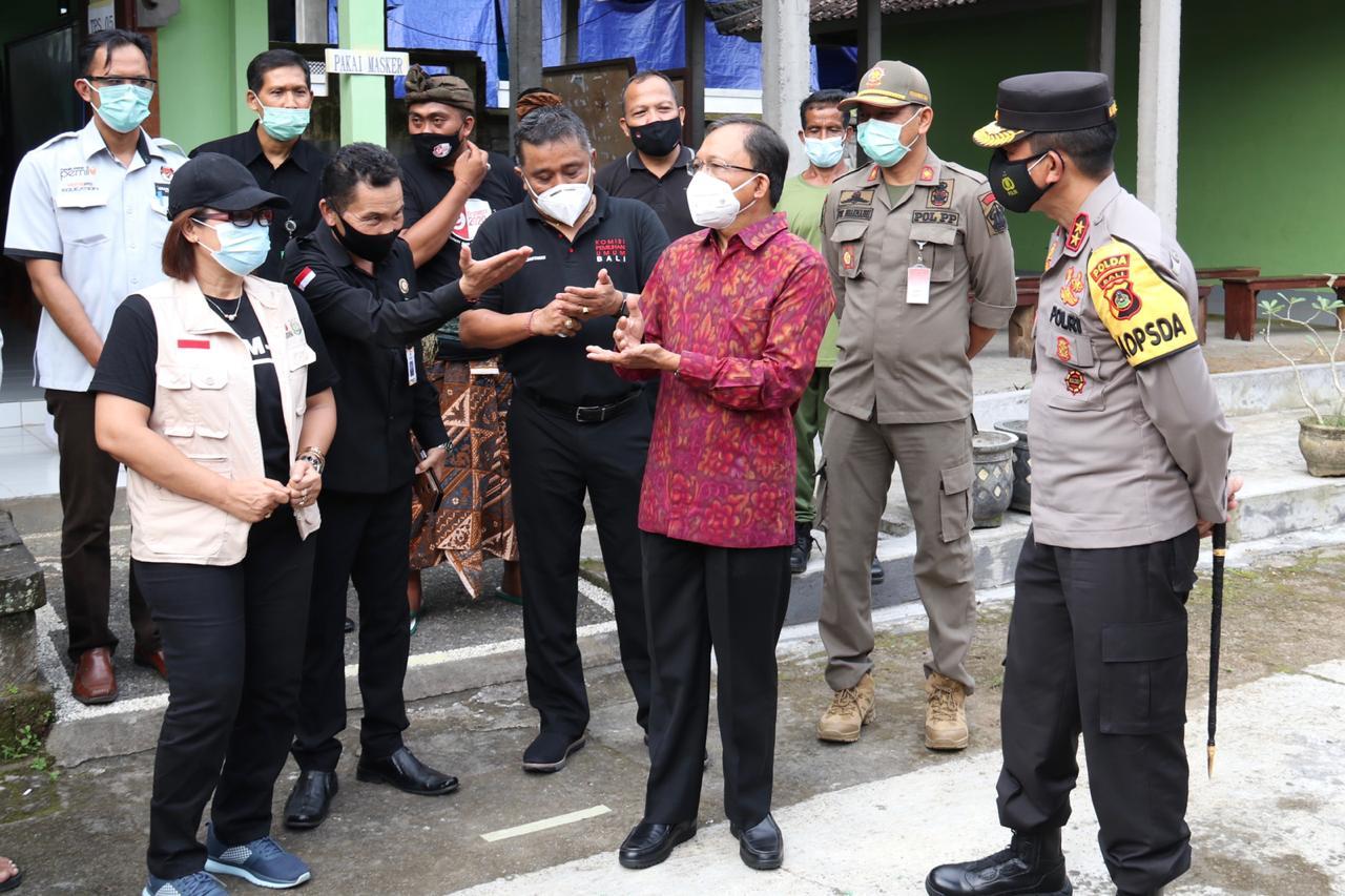 Gubernur, Kapolda dan KPU Bali Pantau TPS Pilkada 2020