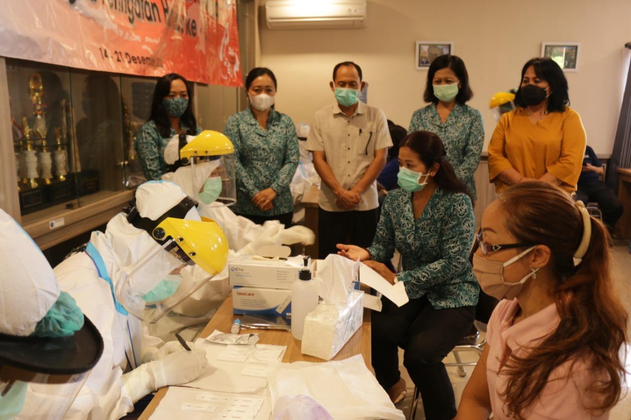 Rapid Test Gratis Bagi Perempuan Desa Kesiman Kertalangu
