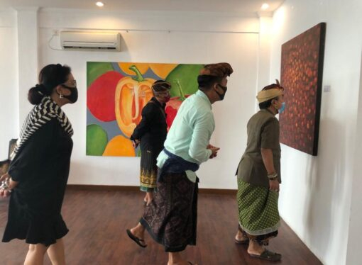""" Timeless Art Exhibition and Culinary "" Nyoman Gunarsa dan Wayan Bendi di Konderatu Beach Club"