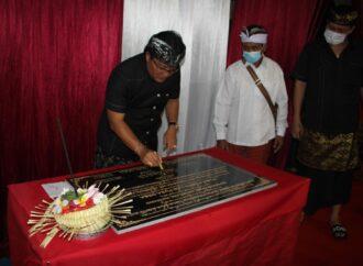Bupati Giri Prasta Berkomitmen Tuntaskan Pembangunan Fasilitas Publik