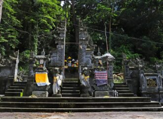 Pura Pucak Bukit Sinunggal, DTW Spiritual di Bali Utara