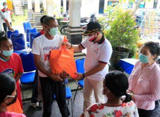 Wabup Kasta Serahkan CSR kepada Penyandang Disabilitas
