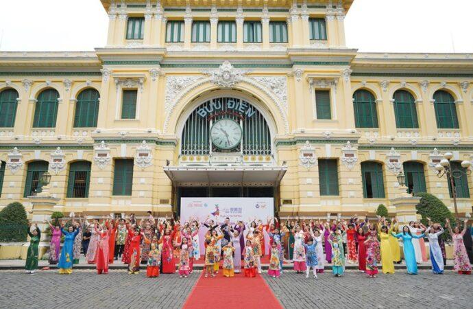 """7th Ho Chi Minh City Ao Dai Festival"" Luncurkan Program Kampanye ""I love Vietnamese Ao Dai"""