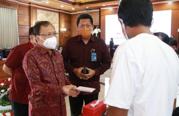 Lagi, Jokowi Kucurkan Bansos Rp 110 T. Gubernur Koster akan Kawal agar Sampai ke Tangan yang Tepat