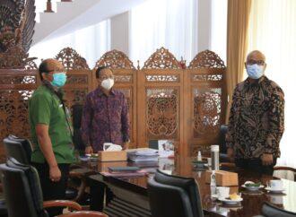 Gubernur Koster Ikuti Penandatanganan 982 Paket Kontrak Tender