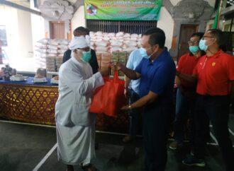 KSU Banjar Sampiang Bagikan Sembako