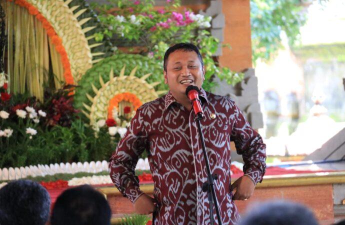 Yuk, Ramai Ramai Pakai  Kain Tenun Endek Bali