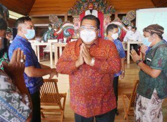 Bupati dan Wabup Buleleng Sosialisasikan  Prokes Ke Desa-Desa