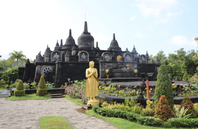Wihara Brahma Arama, Wisata Spiritual di Bali Utara