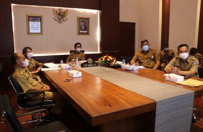 Sekda Adi Arnawa Ikuti Vidcon Kebijakan Penanganan Covid-19 dan Refocusing TKDD