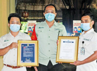 Bali Safari Park and Mara River Safari Lodge Receive CHSE Certificate from MTCE