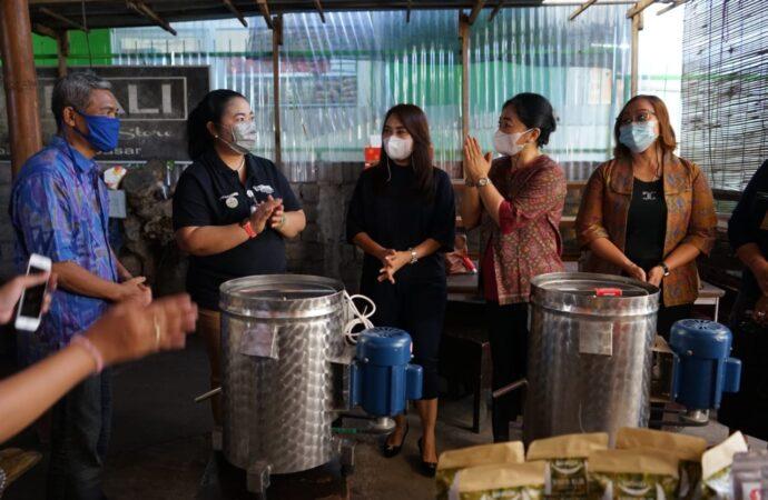 3 IKM Kota Denpasar Dapat Bantuan Mesin Spinner Peniris Minyak