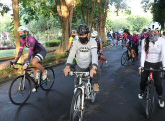 "Gowes  Bareng Peringati ""International Woman's Day """