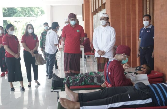 K3S Denpasar Gelar Donor Darah, Serahkan Sembako Tanda Kasih