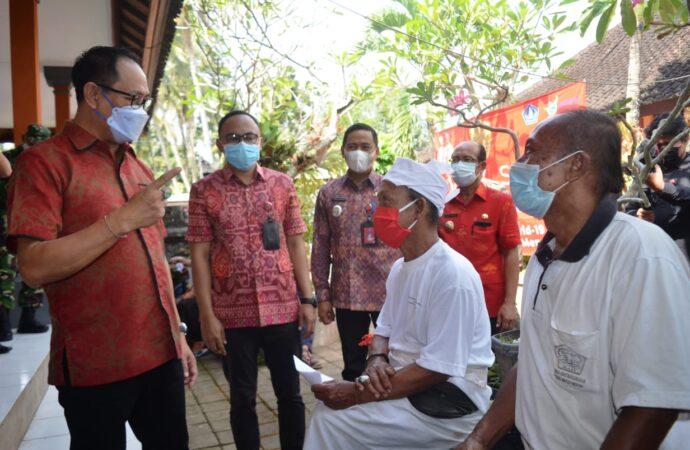 Vaksinasi di Puskesmas Abiansemal 1 dan SD 1 Werdi Bhuwana