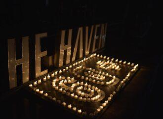 """""""Earth Hour"""" juga  di The Haven Bali Seminyak"""