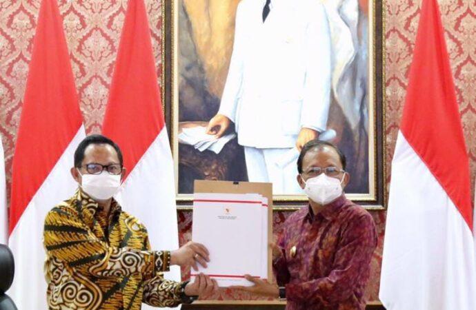 Tito Karnavian :Jadikan Vaksinasi Tingkat Banjar di Bali sebagai Contoh di Indonesia –