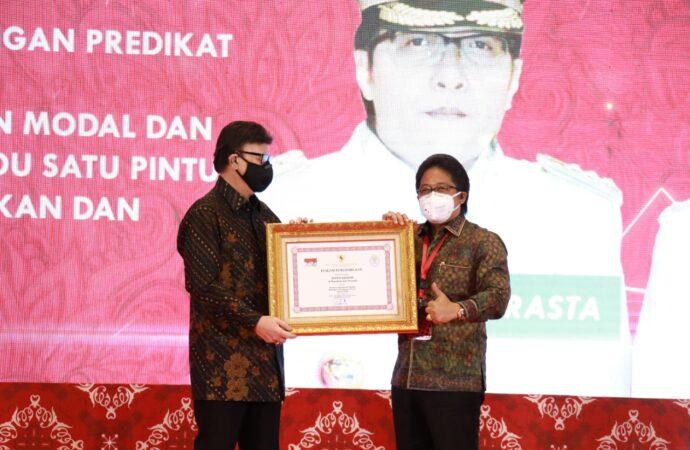 Bupati Giri Prasta, Pembina Pelayanan Publik Terbaik