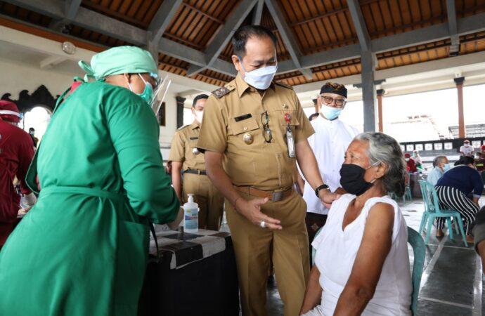 Vaksinasi Covid-19 di Desa Adat Kapal