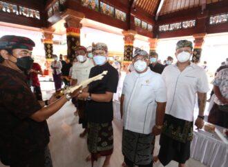 Bantuan Gong Semarandana untuk Krama Banjar Adat Seminyak Kaja