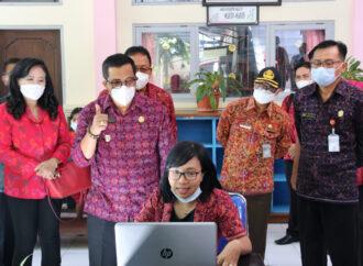 Bupati Sanjaya Semangati Para Guru dan Murid SMP N 1 Tabanan