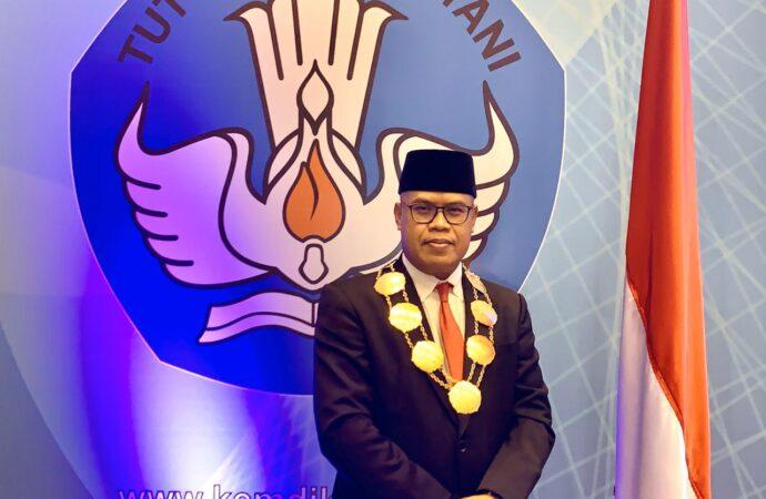 Mendikbud Lantik Prof Kun Adnyana sebagai Rektor ISI