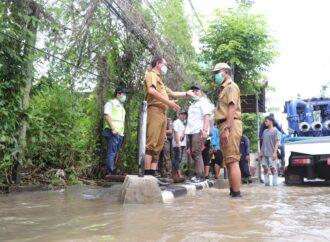 Jalan Menuju Kawasan Pariwisata Kuta Selatan Banjir
