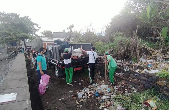 DLH Buleleng Kumpulkan Tiga Meter Kubik Sampah