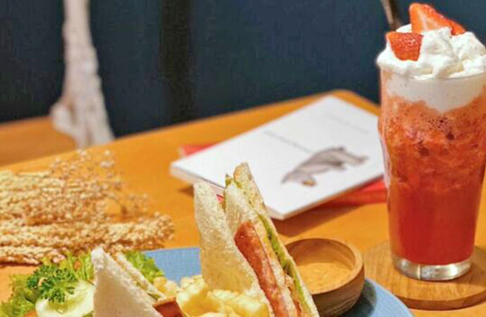 Sendiri Coffee Bar, a Coffee Shop Downtown with Different Atmosphere