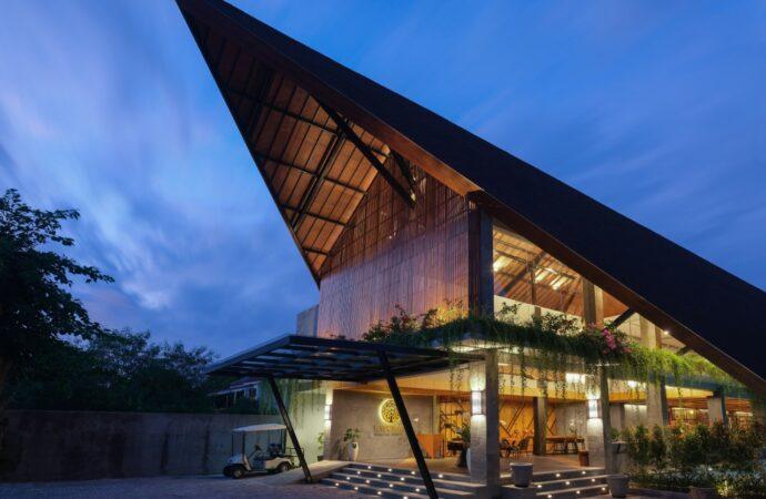 Kayumas Seminyak Resort, Serasa  Surga Tropis