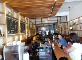 """""""Sendiri Coffee Bar"""", Tempat Ngopi di Tengah Kota dengan Suasana Beda"""