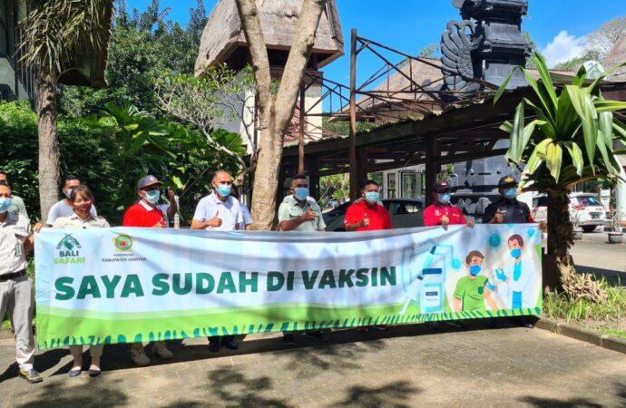 Karyawan Bali Safari Divaksin