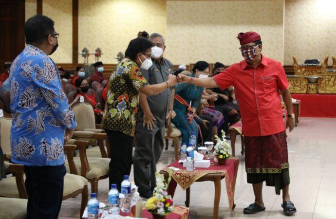 """""""Safari Gemarikan"""" KKP dan Komisi IV DPR RI di Badung"""