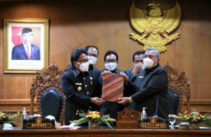 Bupati Giri Prasta Sampaikan LKPJ Tahun 2020