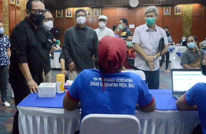 600 Ribu Penduduk Bali Telah Divaksin Covid-19 Tahap Pertama