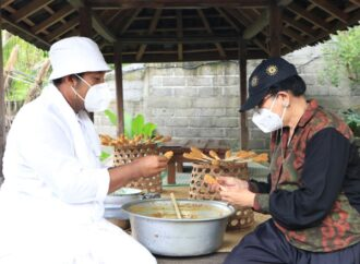 Sate Lilit di Bali Moela, Tejakula. Bikin Ketagihan