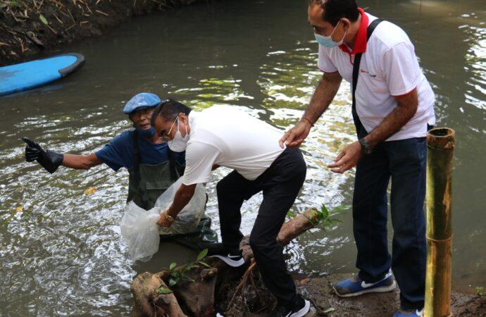 Tebar Benih Ikan di Sungai Batugaing